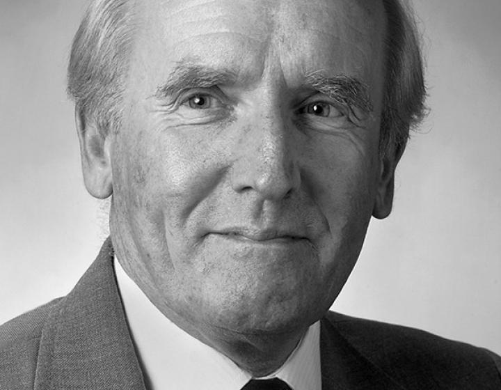 Dr. David Robertshaw